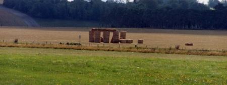 straw-stonehenge