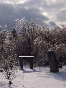 snow-trilithon