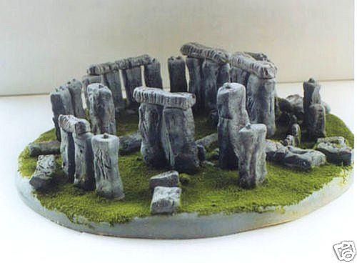 mini Stonehenge – Clonehenge