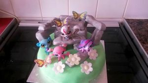 Littlest Pet Shop/Stonehenge cake, photo used with permission