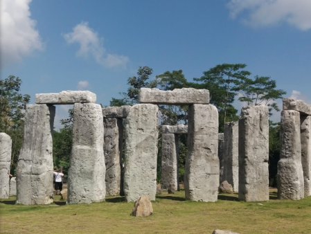 Stonehenge | Clonehenge